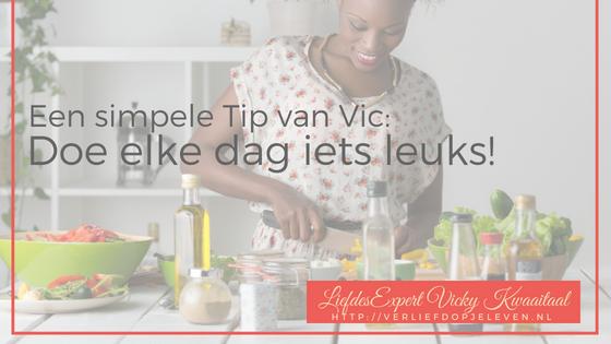 Hoe word je verliefd op je leven? Door elke dag iets leuks te doen! Liefdescoach Vicky Kwaaitaal deelt haar meest simpele (maar zo effectieve) tip!